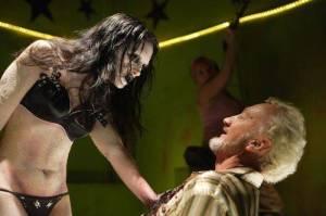 Las strippers zombies también son gente